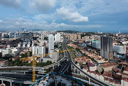 建设中的城市鸟瞰图图片