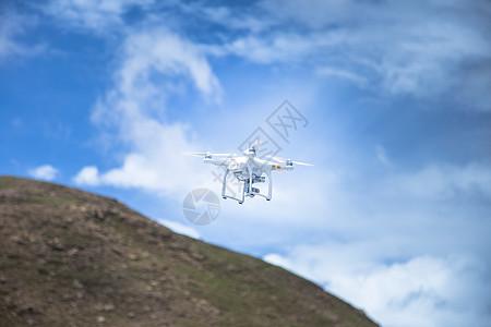 无人机在藏区飞行图片