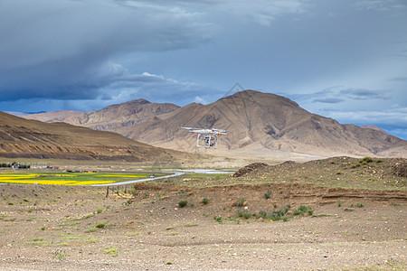 藏区无人机低飞图片