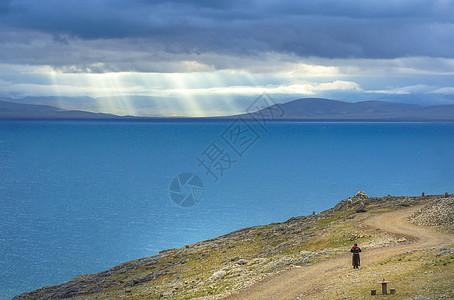 西藏拉萨纳木错湖朝圣图片