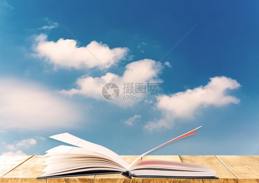 蓝天下的书桌图片
