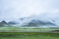 祁连山草原雪山公路图片