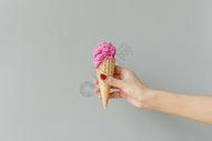 夏日火龙果甜筒图片