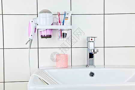 韩式洗手间吹风机架药膏牙杯图片