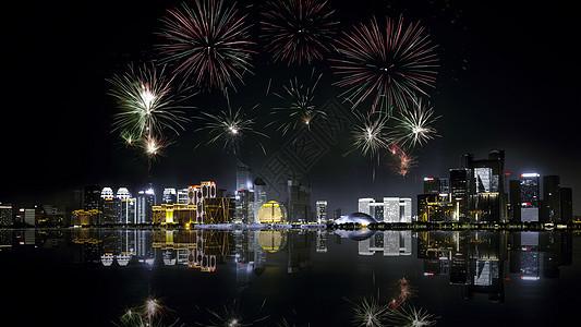 燃放烟花的钱江新城夜景图片