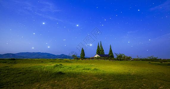 梦幻的夜空草原图片