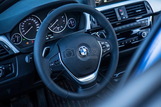 宝马汽车的车身以及特写【媒体用图】(仅限媒体用图使用,不可用于商业用途)图片