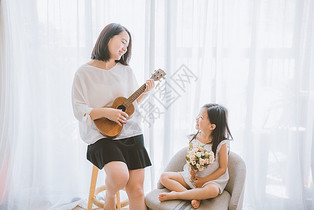 温馨家庭母女图片