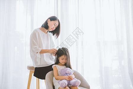 温馨家庭母女亲子图片