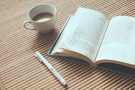 书香弥漫的阅读时光图片