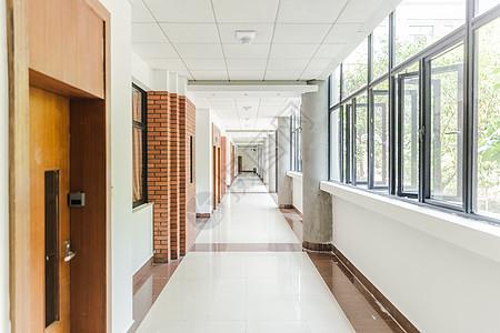 上海大学明亮教室走廊图片