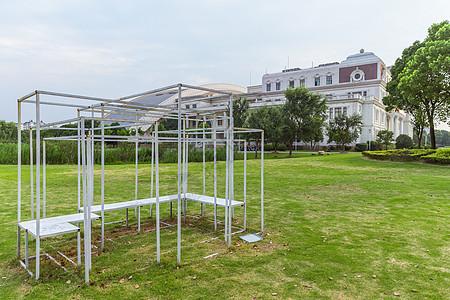 上海校园绿地休息椅子设计图片