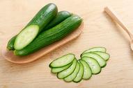 新鲜绿色黄瓜图片