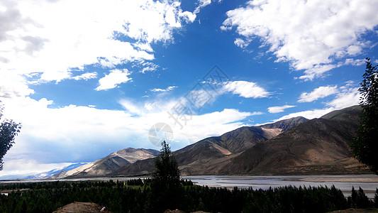 雅鲁藏布江 高原蓝天白云风景图片