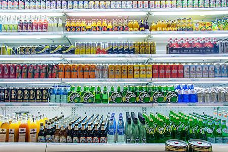 超市饮料柜台【媒体用图】(仅限媒体用图使用,不可用于商业用途)图片