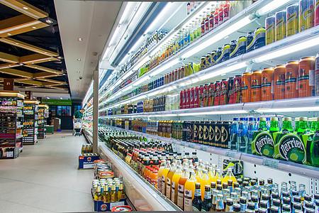 超市饮料柜台图片