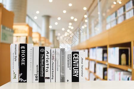 图书馆里的书图片