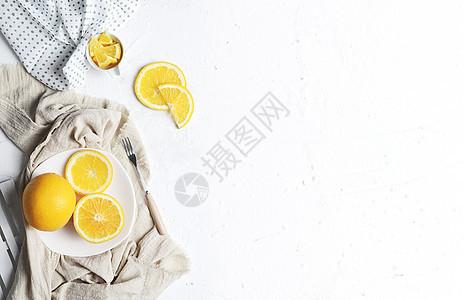 夏日橙子白色背景图片