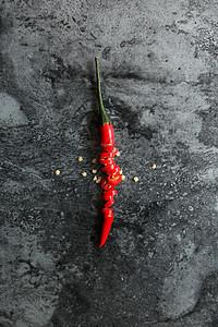 一根切碎的红辣椒图片