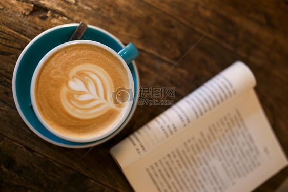 卡布奇诺咖啡图片