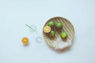 七月竹篮与橘子图片