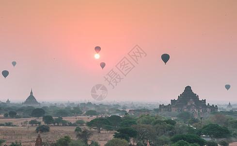 佛塔日出热气球图片