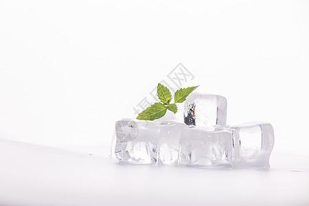 夏季一杯冰镇饮料图片