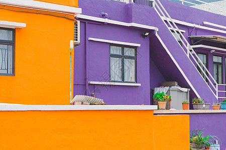海边彩色建筑群图片