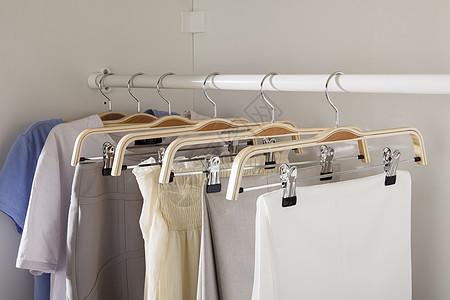 衣柜衣架整理图片
