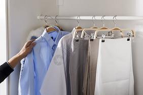 衣柜衣架整理拿取图片