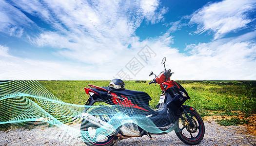 天空绚丽摩托车图片