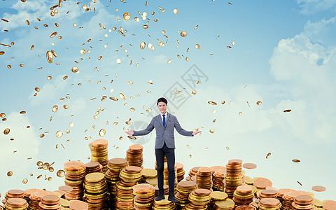 站在金币上的男人图片