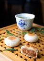 中秋节苏式肉丝馅月饼图片
