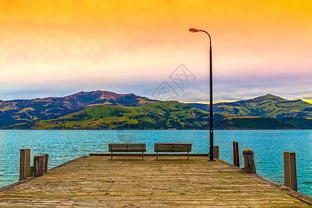 海边码头日出美景图片