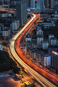 城市交通车轨夜景图片