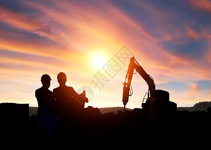 夕阳下的劳动图片