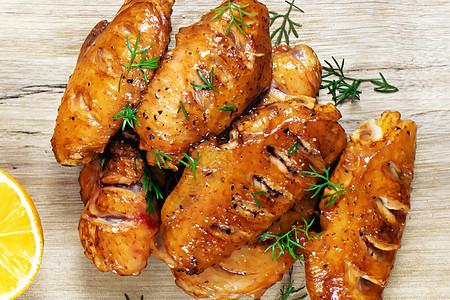 新奥尔良烤翅图片