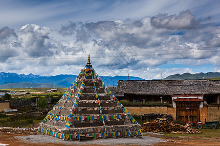 藏式玛尼堆图片