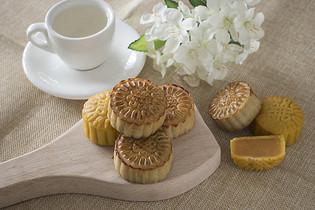 简约小清新的中秋月饼图片