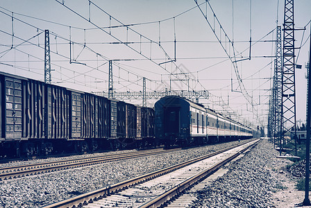 怀旧色的中国老式火车照片图片