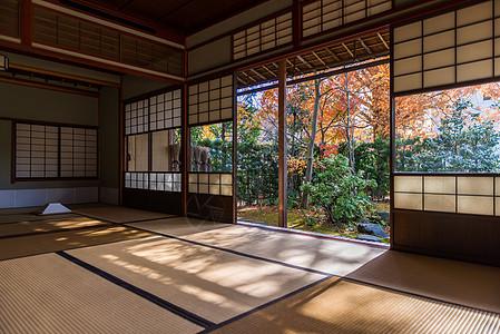 日本庭院和榻榻米图片