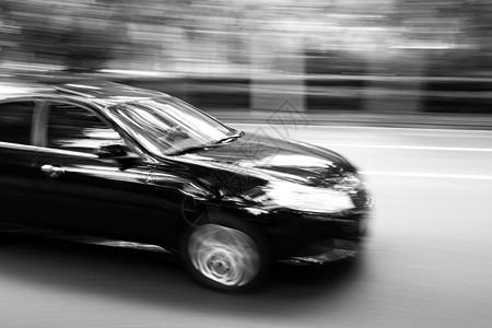 急速飞驰的车图片