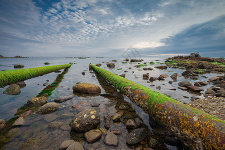 污染环境的排放水管图片