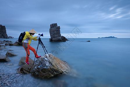 海边的摄影人图片