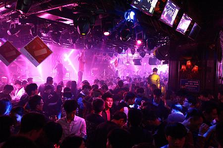 很嗨的酒吧夜场聚会与DJ图片