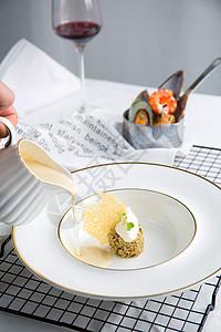 白色背景的法国大餐图片