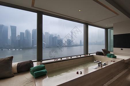 视野极佳的浴室图片