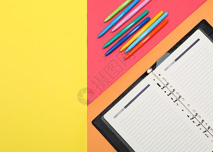 办公笔记本桌面创意造型摄影图片