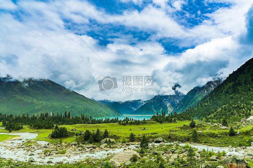 四川317国道新路海山峰风光美景图片