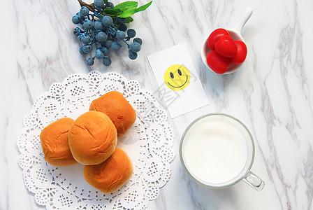 美味营养面包牛奶早餐图片